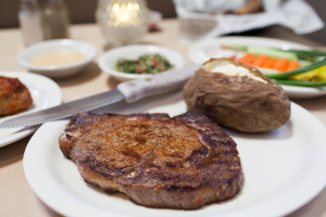 Silver Flame Specializes in Steaks – CHEF'S CHOICE